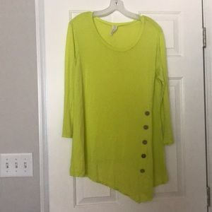 Yeatts lime long sleeve Size L